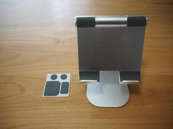 「Lomicall タブレット/iPadスタンド」の外観と付属品