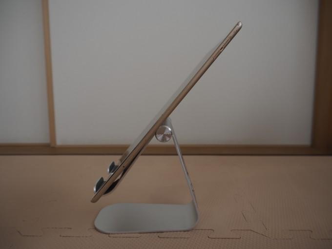 「Lomicall タブレット/iPadスタンド」はどの角度でもタブレットをしっかり保持できる