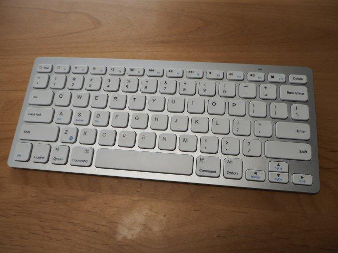 「Anker ワイヤレスキーボード」はbluetoothで接続可能なワイヤレスキーボード