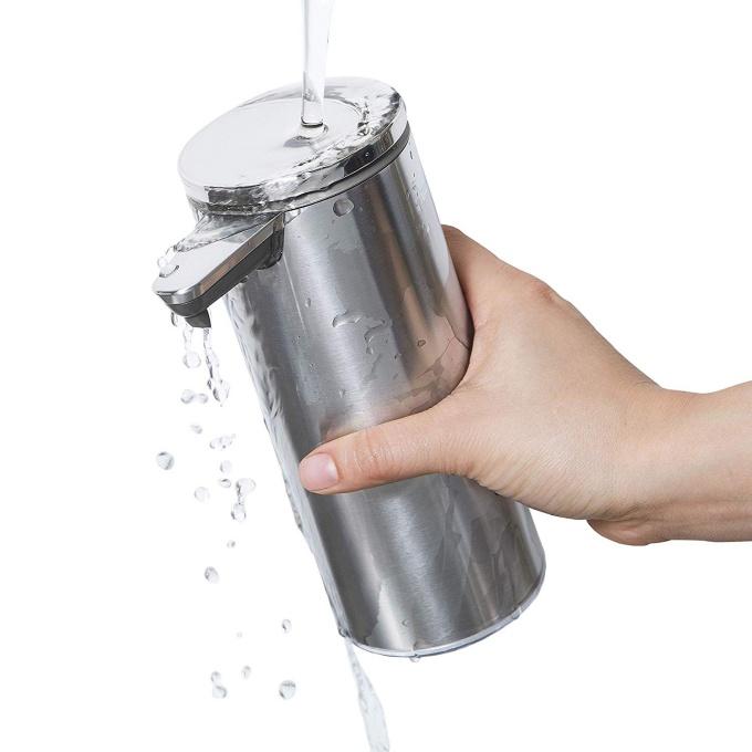 Simplehumanの「センサーポンプソープディスペンサー」は本体を丸ごと水洗い可能で衛生的