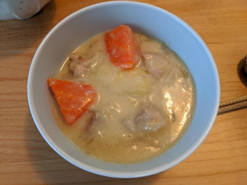 KN-HW24Eで作れる料理の中で、個人的なイチオシはシチュー。ルーなしで手軽に作れるが、味は抜群だった